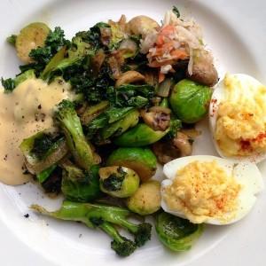 Devilled eggs & Veggies
